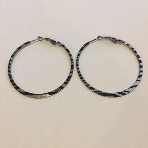Jewelry - ⭐️ 3 for $10 - Fun, animal print hoop earrings